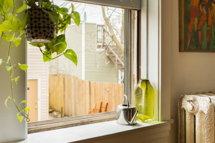 7 Things You Should Never Store on Your Window Sill, According to Real Estate Experts
