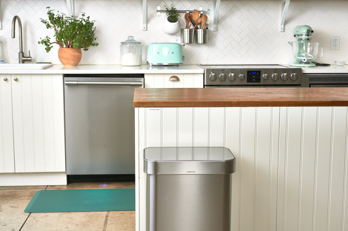 How to Clean the One Part of Your Kitchen That Hasn't Been Cleaned in a While