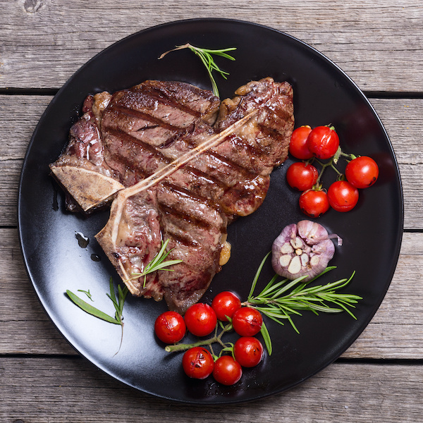 Get 15% off <i>Town & Country</i>'s Ultimate Father's Day Steak Flight from Holy Grail Steak Co.