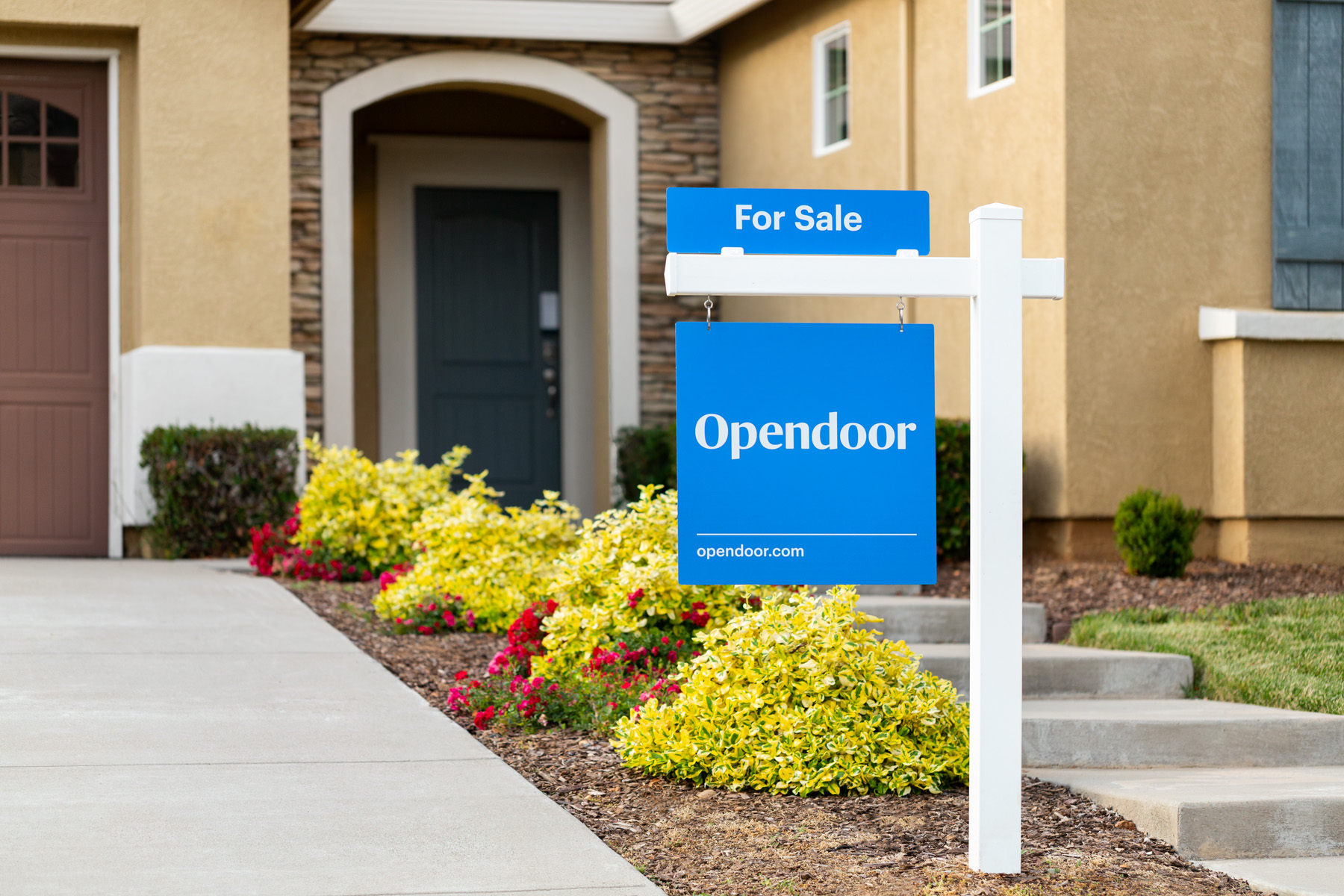 Easily buy + sell your home online with Opendoor | Photo provided by Opendoor